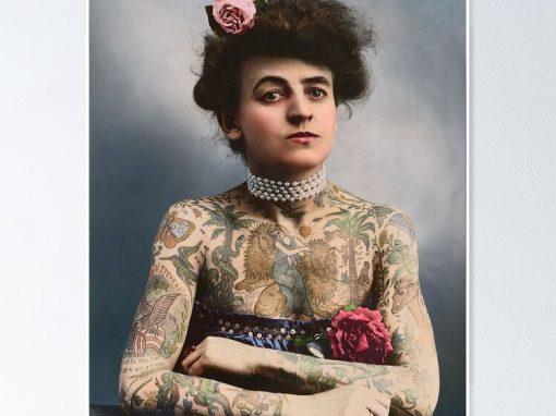 A primeira tatuadora